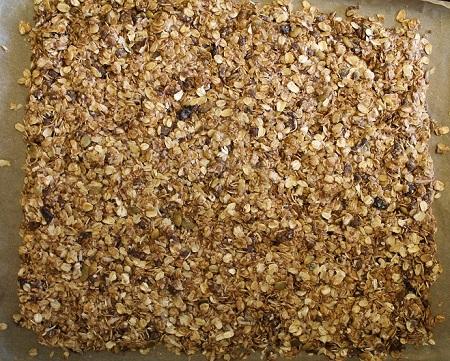 Chocolate cherry granola bars_bake_rec reduxe_08 14