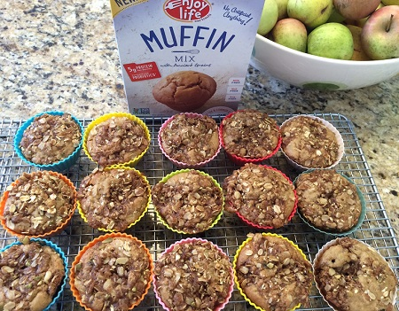 EL apple streusel muffins_EL box_10 15