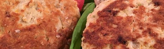 Simple Salmon Burgers {Recipe}